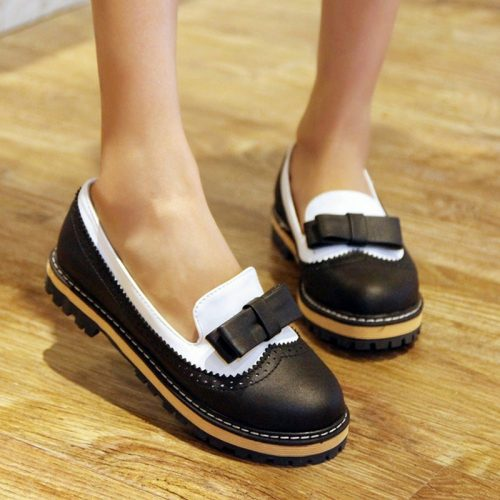Doll Style Round Flats black
